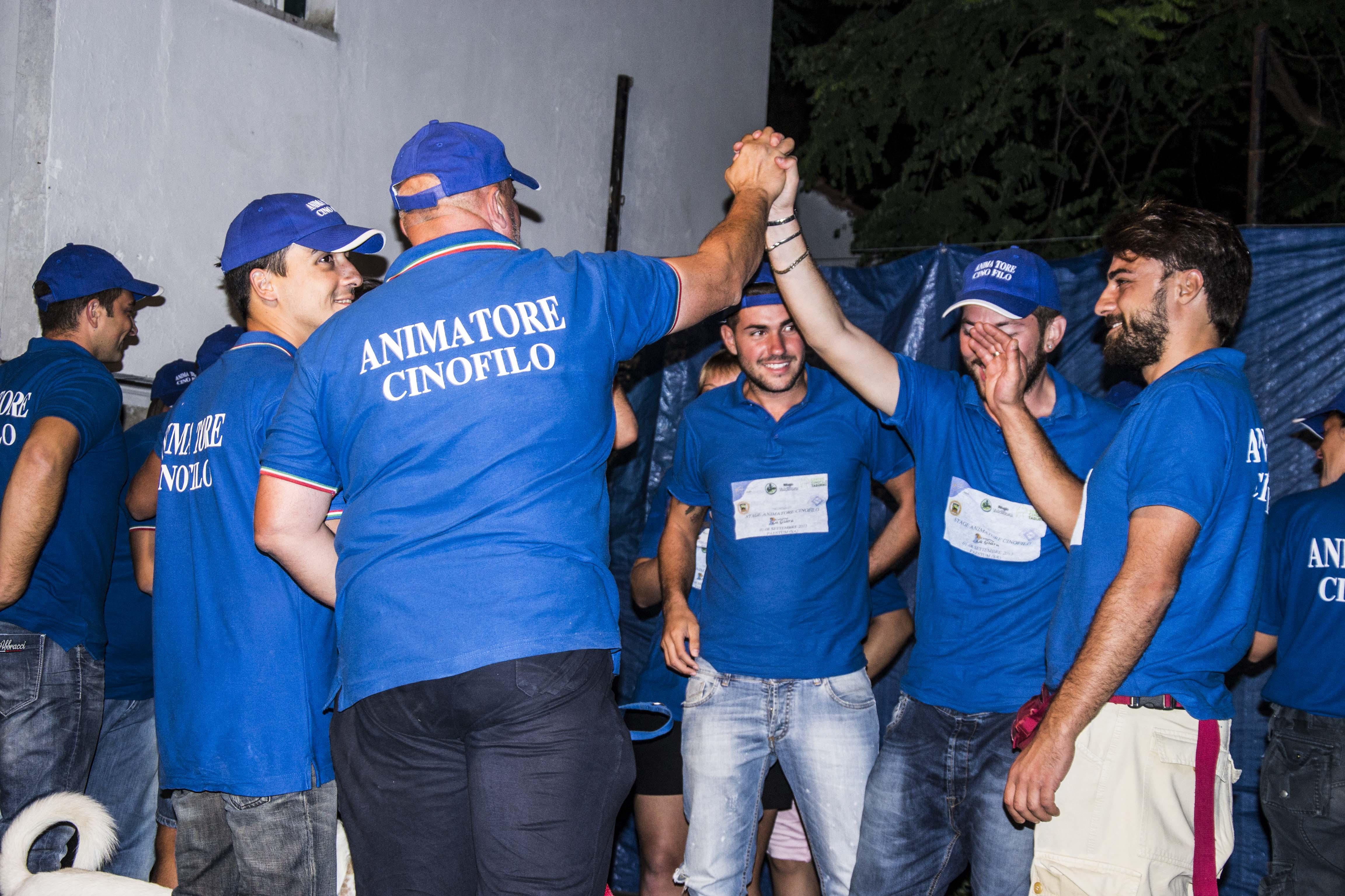 Il corso, ha la finalità di sperimentare una serie di attività da proporre in ambito turistico/alberghiero, mediante formazione di addestratori cinofili riconosciuti Enci.