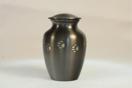 Urna nera a forma di vaso