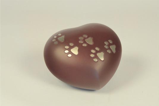 Urna rosso scuro a forma di cuore con rifiniture dorate